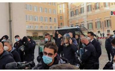 Wenen, Napels, Rome: Politie kiest kant van het volk