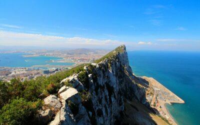 Volledig gevaccineerd Gibraltar ziet forse stijging corona gevallen